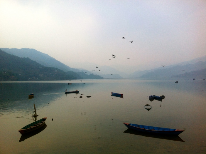 Lago en Pokhara, Nepal.