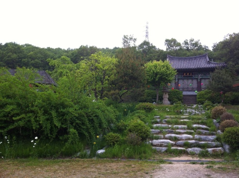 Templo zen Dongeun-sa (Ganghwa, Corea del Sur).